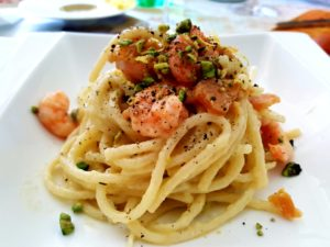 Spaghetti con bottarga e pistacchi di bronte